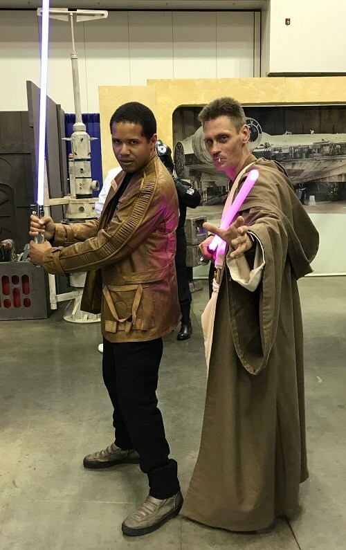 Finn and Jedi cosplay